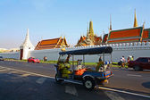 Tuk Tuk at Wat Phra Kaew — Stock Photo
