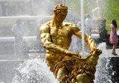 Fountains at the Petergof. Samson — Stock Photo