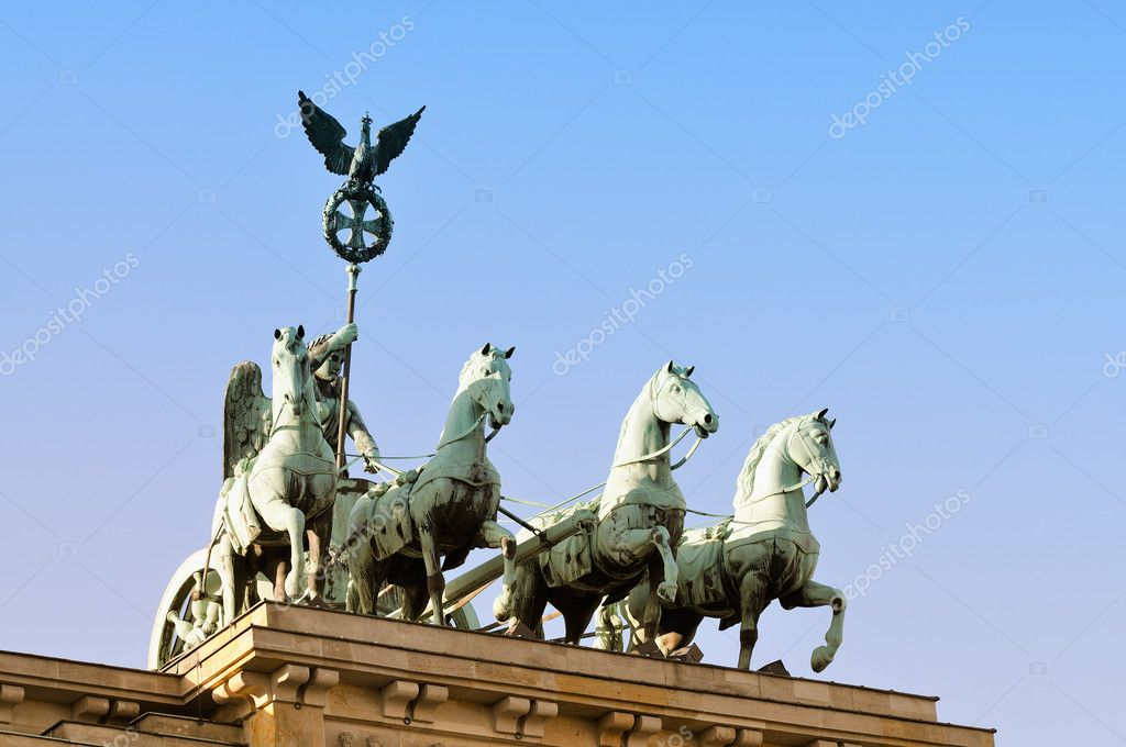 Detail of Brandenburg Gate and the Quadriga bronze statue, Berlin, Germany — Stock Photo #9537242