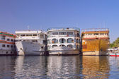 Boats (hotels) anchored in the Luxor (Egypt) — Stock Photo