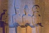 アブ ・ シンベル神殿内部のまれな彫像. — ストック写真