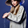 Young girl in the straw hat — Stock Photo