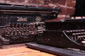 Old black typewriter — 图库照片