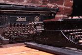 Old black typewriter — Стоковое фото