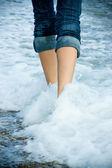 Walking along the sea cost — Stock Photo