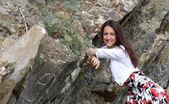 夏の休暇を楽しんで幸せな若い女 — ストック写真
