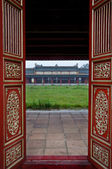 Red Wooden Doors and Temple, Hue Citadel — Stock Photo