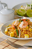 Thai stir-fried rice noodles (Pad Thai) — Stock Photo
