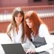 Two businesswoam working outdoors — Stock Photo