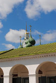 Kostroma. Shopping Arcade, and the dome of the church of the Saviour. — Stock Photo