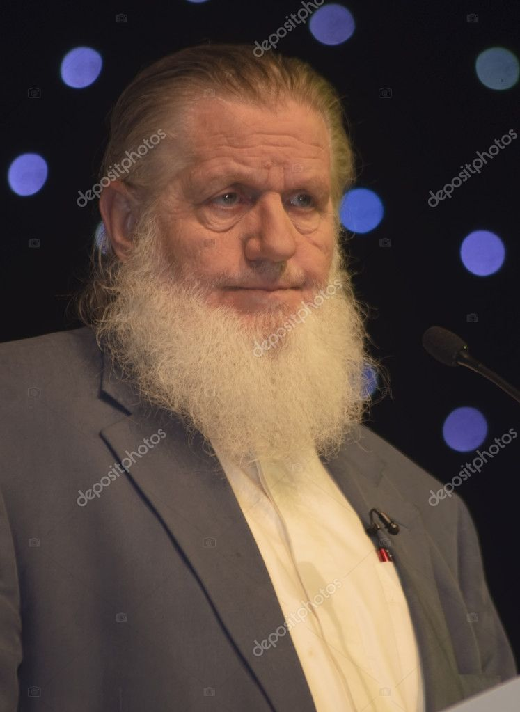 DUBAI, UAE - MARCH 18: Yusuf Estes, formerly Skip Estes, is a Islam revert, and islamic scholar, attends 'Dubai International Peace Conference' on Mar 18 to 20, 2010 in Dubai Airport Expo, Dubai, UAE. — Stock Photo #9619105