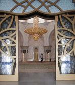 Enterance of Sheikh Zayed Mosque — Stock Photo
