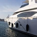 A Majestic Yacht in Dubai — Stock Photo