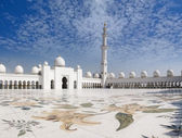Sheikh Zayed Mosque and Veranda — Stock Photo