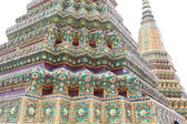 Architecture thaïlandaise authentique au wat pho — Photo