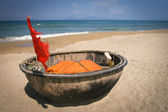Traditional Vietnamese boat in the basket shaped , Mui Ne, Vietnam — Stock Photo