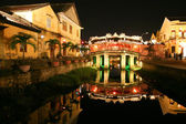 Old japanese bridge at night in Hoi An, Vietnam — Stock Photo
