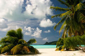 Infinity tropical beach on Maupiti, French Polynesia, Society Islands — Stock Photo