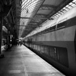 Platform at Amsterdam train station — Stock Photo