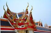 Thajské sedlovou střechou — Stock fotografie