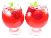 Alcoholic strawberry punch cocktails — Stock Photo