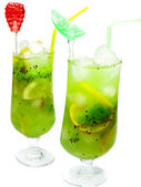 Smoothie cocktails drinks with kiwi — Stock Photo
