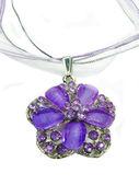 Biżuteria wisiorek z jasne kryształy — Zdjęcie stockowe