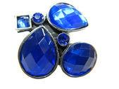 Anillo de la joyería con cristales de color azul brillantes — Foto de Stock