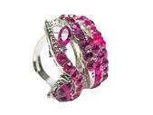 Šperky prsten s jasně červený rubín krystaly — Stock fotografie