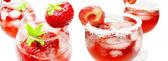Alkoholhaltiga likör cocktail punch med jordgubbe — Stockfoto