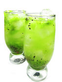 Green kiwi lemonade cocktails — Стоковое фото