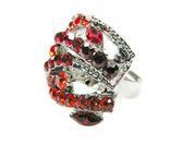 Anel brilhante com jóias de cristais vermelhos — Fotografia Stock