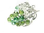 Pierścień biżuteria z jasne zielone kryształy — Zdjęcie stockowe