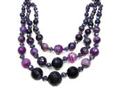 Amethyst semoprecious crystals beads — Стоковое фото