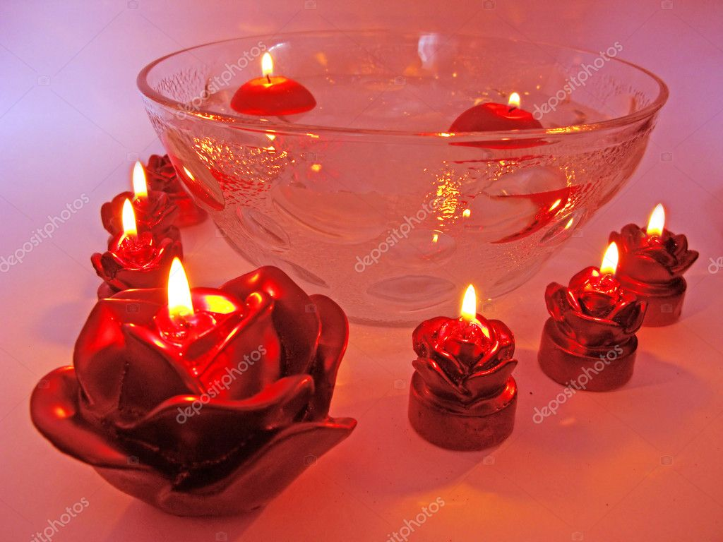 Spa lit candles red rose flowers health care treatment — Stock Photo #9941580