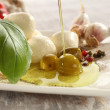 Mozzarella and splash oil — Stockfoto