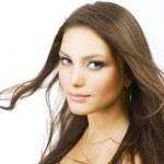 piękna dziewczyna z długimi włosami. doskonałej skóry — Zdjęcie stockowe
