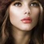 Beautiful Young Woman wearing Fur Hat.Winter Style — Stock Photo
