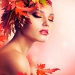 Beautiful Autumn Woman — Stock Photo
