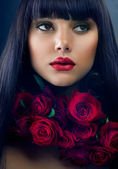 Beautiful Fashion Girl with Roses — Stock Photo