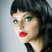 Brunette Extreme makeup.Gothic Girl.Haircut — Stock Photo