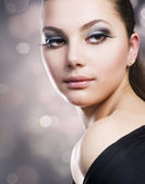 Beautiful Girl's Face. Perfect Makeup — Stock Photo