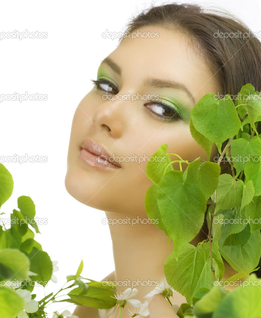Beautiful Woman With Green Leaves — Stock Photo #10605417