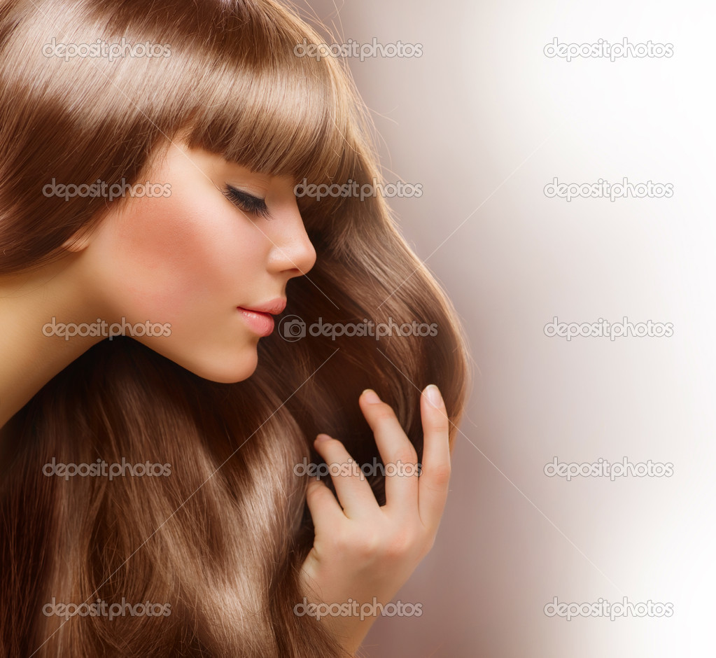 Blond Hair.Beautiful Woman with Healthy Straight Long Hair — Stock Photo #10605438