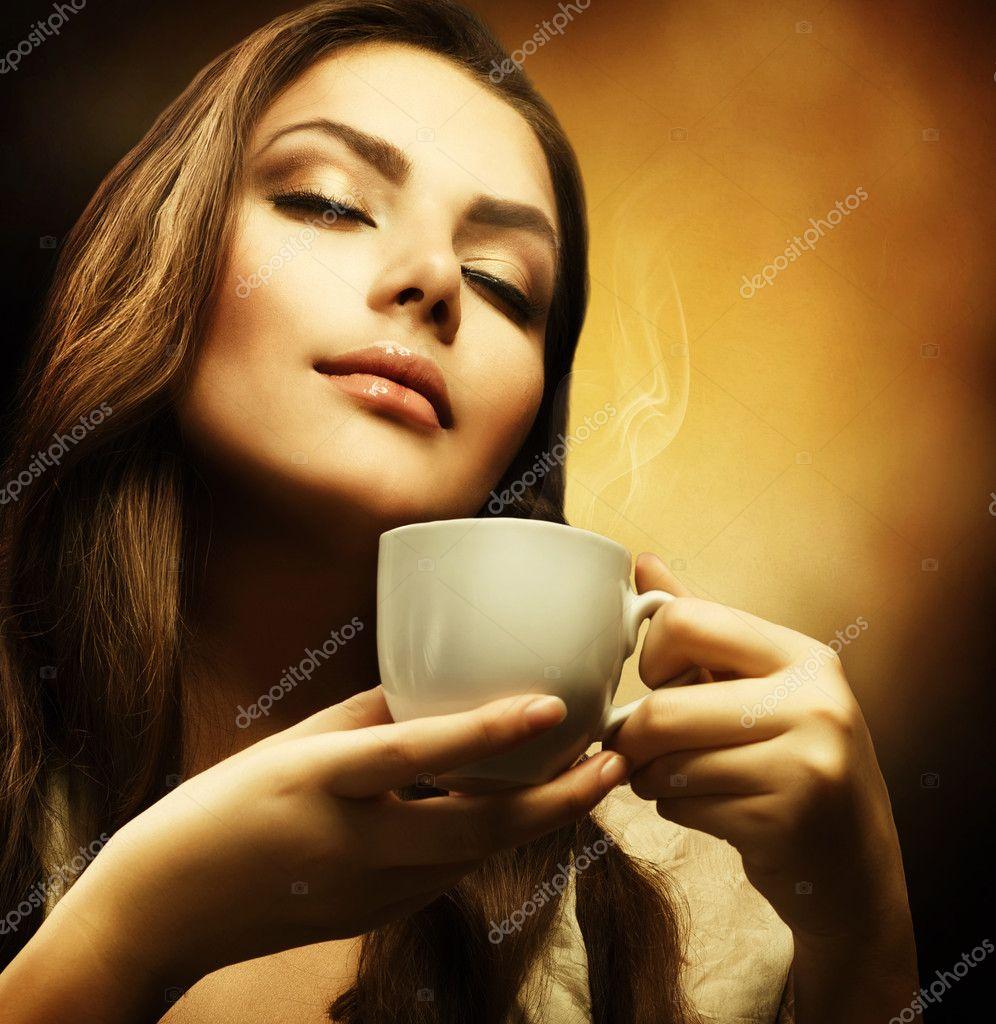 Красивые фото девушек с кофе
