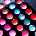 Make-up set. Professional multicolor eye shadow palette — Stock Photo