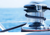 Sailboat Winch and Rope Yacht detail. Yachting. — Foto de Stock