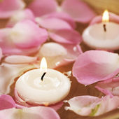 Spa Floating Candles And Rose Petals In Water — Stock Photo