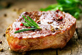 Steak vom grill — Stockfoto