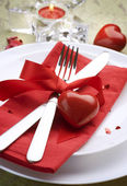 Romantic Dinner. Place setting for Valentine's Day — ストック写真